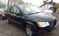 2013 CHRYSLER TOWN & COUNTRY TOURING #1526599976