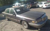 1996 LINCOLN TOWN CAR EXECUTIVE #1694969366